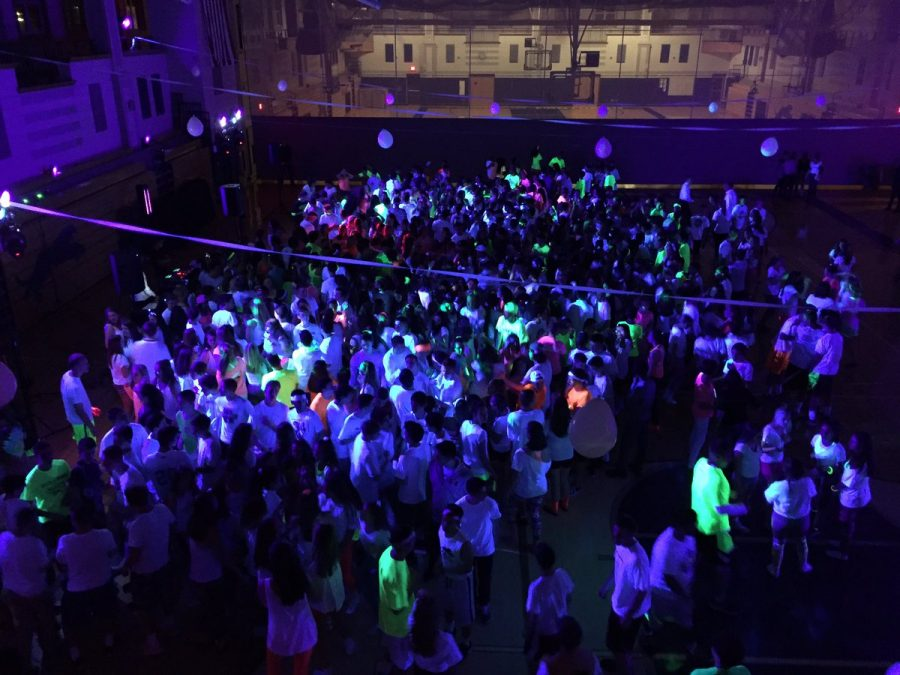 Glow at the Neon Dance – Pantherbook